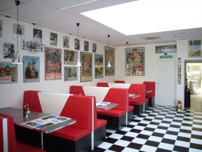 Arredamento ristorante e fast food america graffiti a for Arredamento per fast food