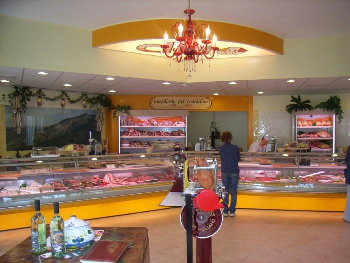 Arredamenti macelleria clai a borgo tossignano in for Arredamenti bologna e provincia